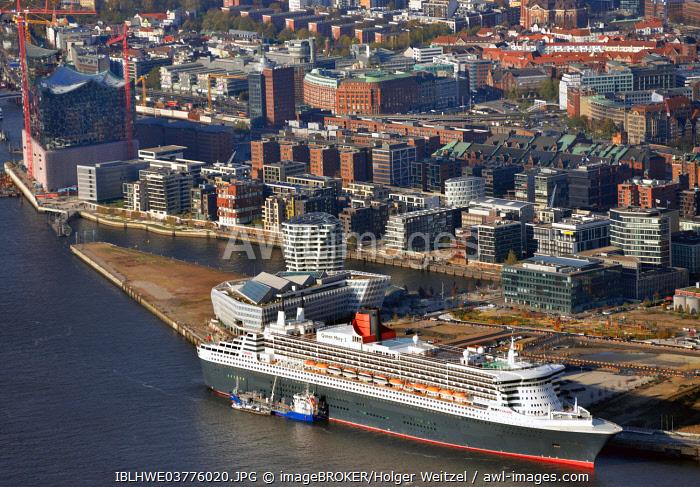 Queen Mary 2, behind the HafenCity, Hamburg Harbour, Hamburg, Germany, Europe