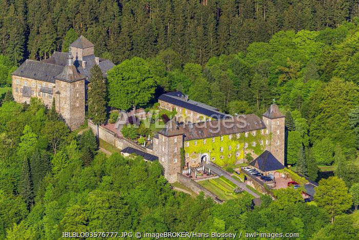 Aerial view, Schnellenberg Burghotel, Burg Schnellenberg Castle, Schnellenberg, Attendorn, North Rhine-Westphalia, Germany, Europe