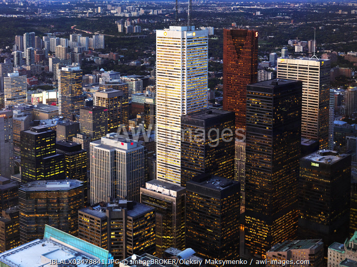 Downtown towers of the city of Toronto at dusk, Toronto, Ontario Province, Canada, North America