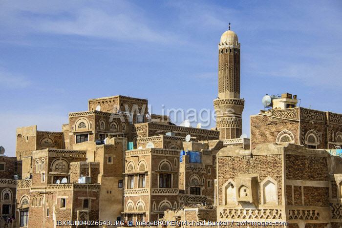 Minaret in the old city of Sana'a, UNESCO World Heritage Site, Sana'a, Yemen, Asia