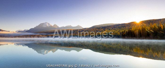 Autumn colours on Bowman Lake, Glacier National Park, Montana, USA