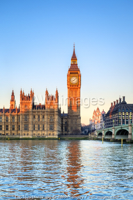 United Kingdom, England, London. Westminster Bridge, Palace of Westminster and the clock tower of Big Ben (Elizabeth Tower), at sunrise.