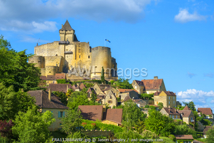 Chateau de Castelnaud castle and village, Castelnaud-la-Chapelle, Dordogne Department, Aquitaine, France
