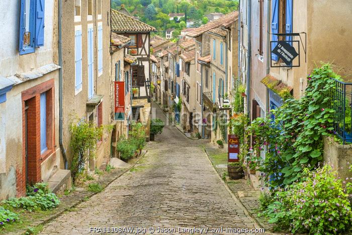 Cordes-sur-Ciel, Tarn Department, Midi-Pyrénées, France.