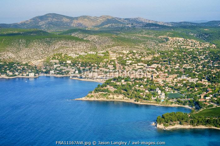High-angle view of town of Cassis, Bouches-du-Rhône, Provence-Alpes-Côte d'Azur, France.