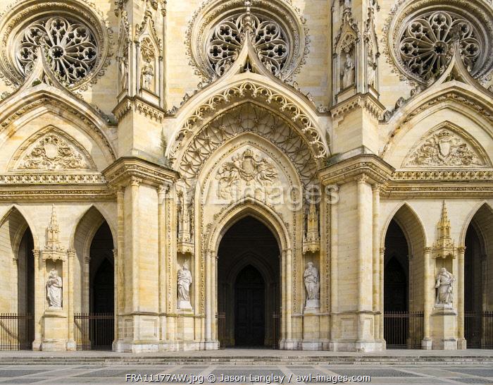 Exterior façade of Orléans Cathedral (Basilique Cathédrale Sainte-Croix), Orléans, Loiret Department, Centre, France.