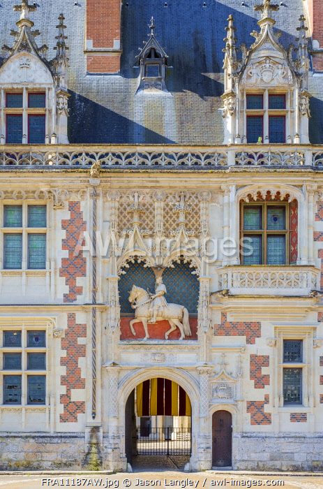 Front facade and statue of Louis XII on Château Royal de Blois castle, Blois, Loire-et-Cher, Centre, France
