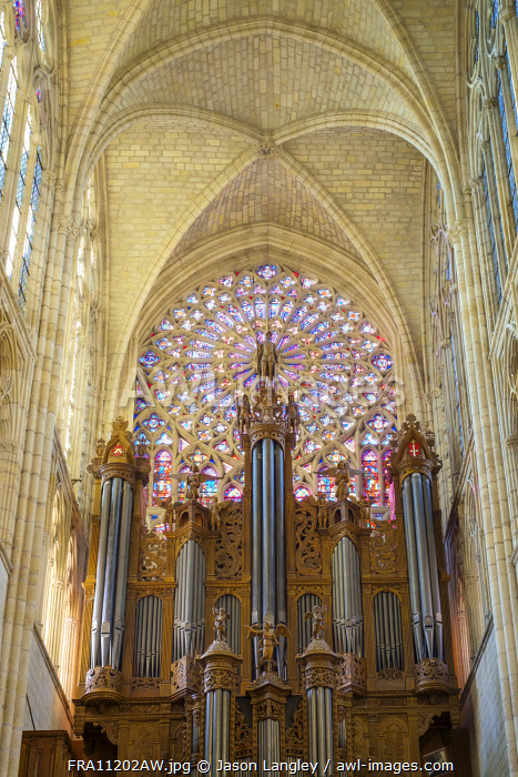 Pipe organ and rosace stained-glass windows of Cathédrale Saint-Gatien cathedral, Tours, Indre-et-Loire, Centre, France.