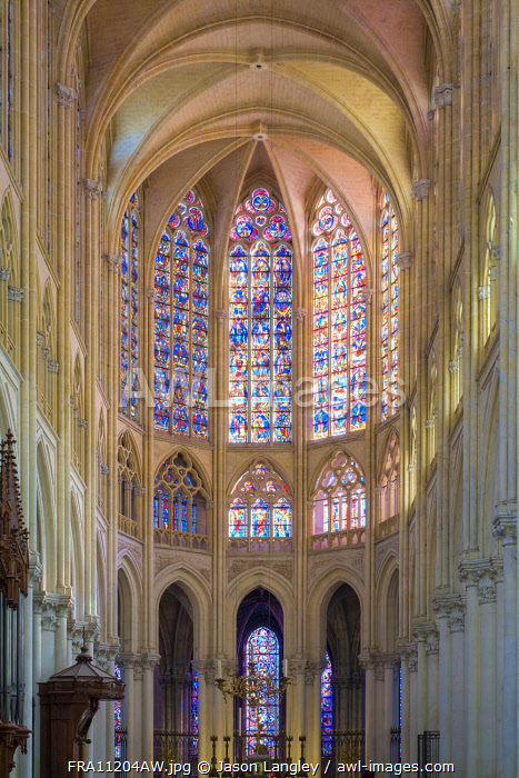Interior choir of Cathédrale Saint-Gatien cathedral and stained-glass windows, Tours, Indre-et-Loire, Centre, France.