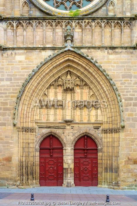 Front portal entrance to Cahors Cathedral (Cathédrale Saint-Étienne de Cahors), Cahors, Lot Department, Midi-Pyrénées, France