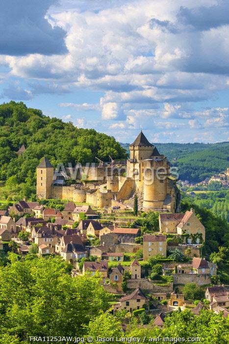 Chateau de Castelnaud castle and village, Castelnaud-la-Chapelle, Dordogne Department, Aquitaine, France