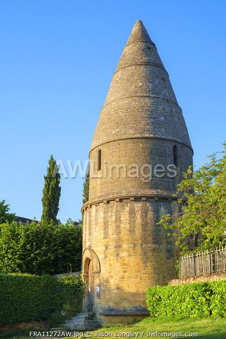 Lanterne des Morts on Passage des Enfeus, Sarlat-la-Canéda, Dordogne Department, Aquitaine, France