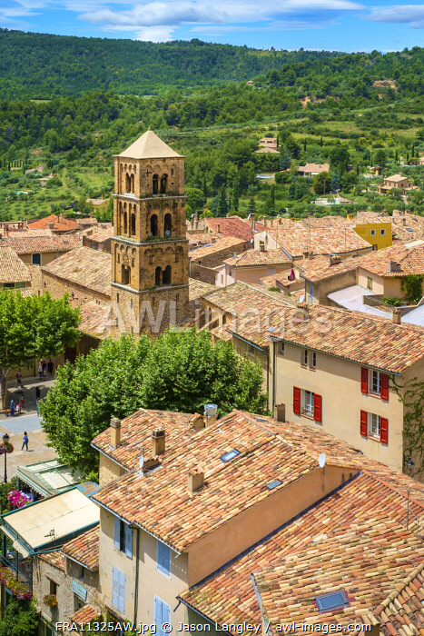 High angle view of town of Moustiers-Sainte-Marie, Alpes-de-Haute-Provence, Provence-Alpes-Côte d'Azur, France