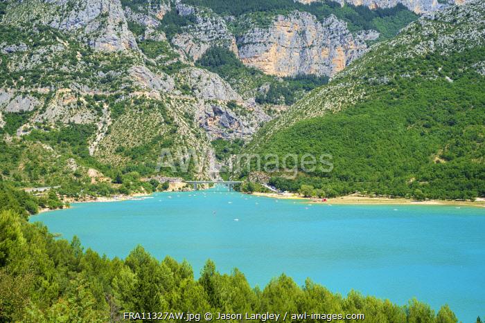 Lac de Sainte-Croix at the entrance of the Gorge du Verdon, Var/Alpes-de-Haute-Provence, Provence-Alpes-Côte d'Azur, France