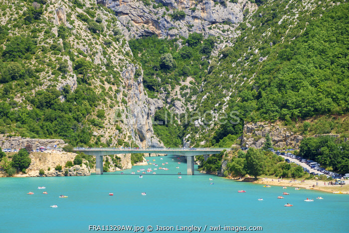 Bridge over Lac de Sainte-Croix at the entrance of the Gorge du Verdon, Var/Alpes-de-Haute-Provence, Provence-Alpes-Côte d'Azur, France