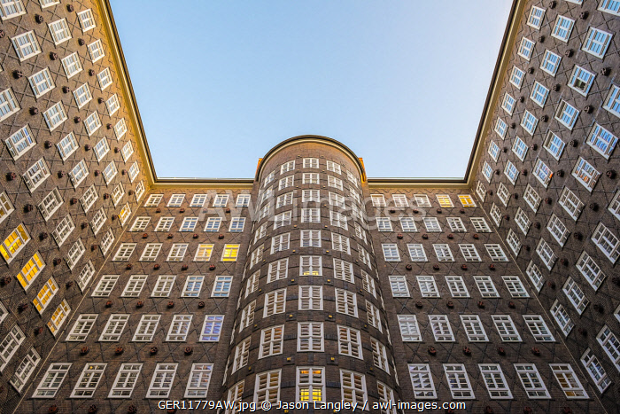 awl-images.com - Germany / Sprinkenhof office building built in 1927-1943 in brick expressionist style, Kontorhausviertel, Hamburg Altstadt, Hamburg, Germany