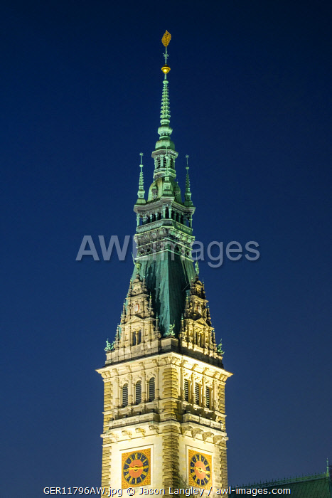 awl-images.com - Germany / Tower of Hamburg Rathaus (City Hall) at night, Altstadt, Hamburg, Germany