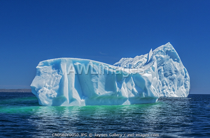 awl-images.com - Canada / Canada, Newfoundland, St. Anthony. Icebergs in Atlantic Ocean