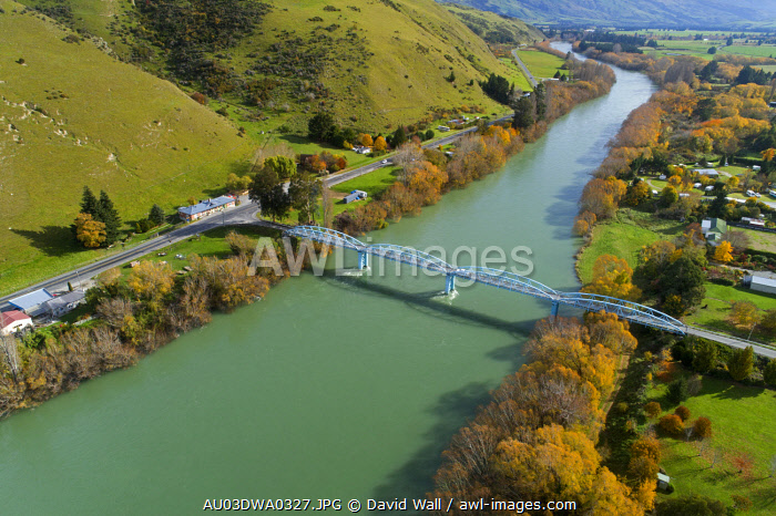 Millers Flat Bridge and Clutha River, Central Otago, South Island, New Zealand