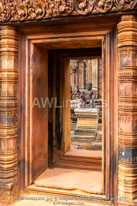 Door and guardian figure at Banteay Srei temple, Angkor Archaeological Park, Siem Reap, Cambodia, Asia
