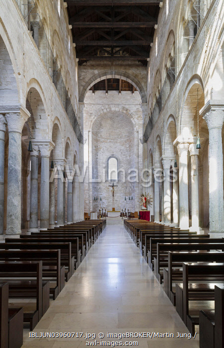 Nave of the upper church with transept and apse, Romanesque-style Norman Church, cathedral by the sea, Trani Cathedral, Cattedrale di San Nicola Pellegrino, 11th century, Trani, Bari Province, Apulia, Italy, Europe