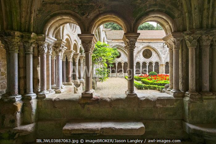 Romanesque cloisters at Abbaye de Fontfroide, Aude Department, Languedoc-Roussillon, France, Europe