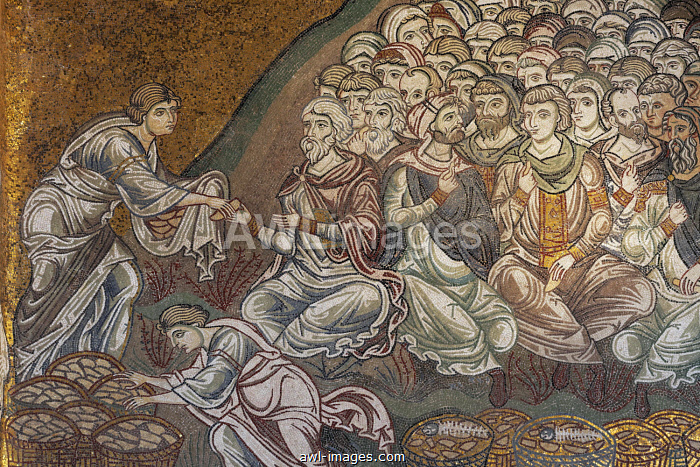 Jesus Feeds the Five Thousand, Byzantine gold ground mosaics, Cathedral of Santa Maria Nuova, Monreale Cathedral, Monreale, Province of Palermo, Sicily, Italy, Europe