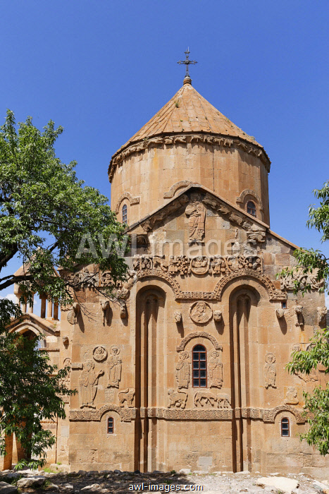 East faÃÂ�ade, Armenian Church of the Holy Cross, Akdamar, Aghtamar, Akhtamar, Akdamar Adas?, Van Province, Eastern Anatolia Region, Anatolia, Turkey, Asia