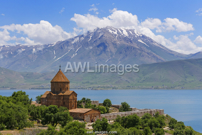 Armenian Church of the Holy Cross, Akdamar, Aghtamar, Akhtamar, Akdamar Adas?, Lake Van, mountain, Van Province, Eastern Anatolia Region, Anatolia, Turkey, Asia