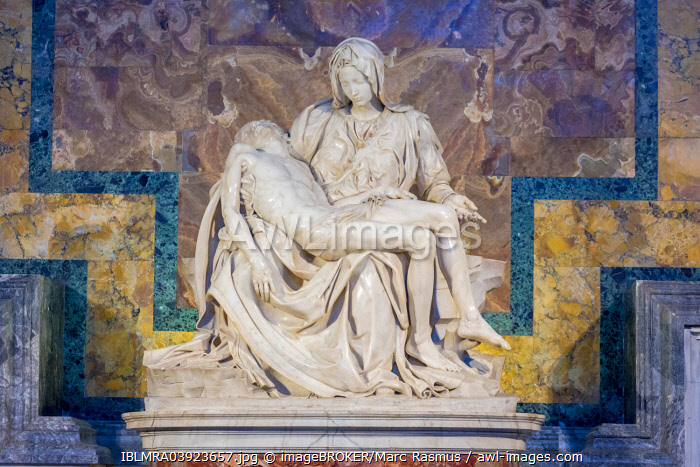 Pietà, marble sculpture by Michelangelo, St. Peter's Basilica, Rome, Lazio, Italy, Europe