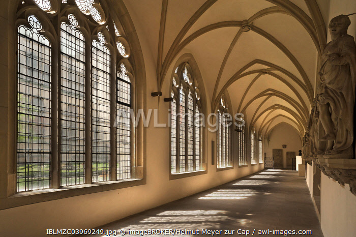 Cloister in the Munster Cathedral, Munster, 1390-1395, Munster, Munsterland, North Rhine-Westphalia, Germany, Europe