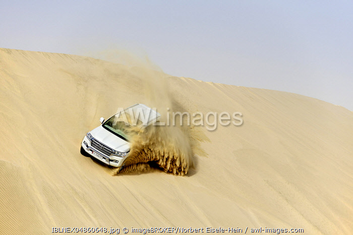Jeep tour in the sandy desert, Dune-Bashing, Sealine Sand Dunes, Mesaieed, Doha, Qatar, Asia