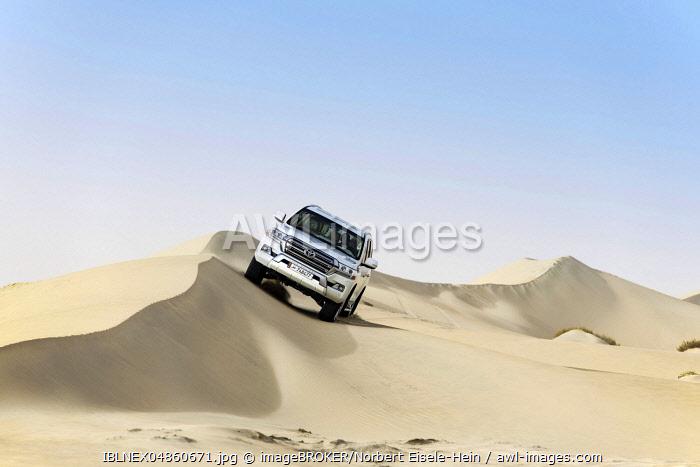 Jeep tour in the sandy desert, Dune-Bashing, Sealine Sand Dunes, Mesaieed, Doha, Qatar, Asia