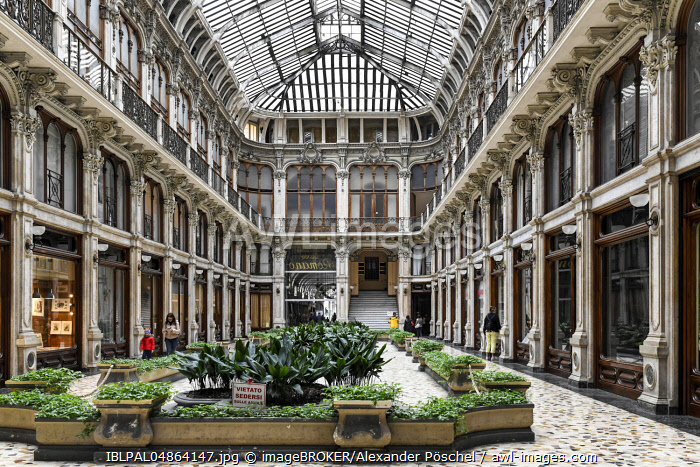 Shopping arcade Galleria Subalpina, Turin, Piedmont, Italy, Europe