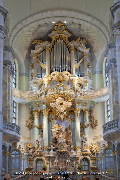 Interior and altar of the Church of Our Lady, Dresden, Saxony, Germany, Europe