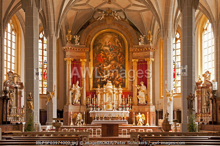 Interior and altar, Parish church of St. Philip and Jacob, Altötting, Upper Bavaria, Bavaria, Germany, Europe