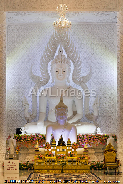 Buddha statues in the white prayer hall, Wat Huay Pla Kang Temple, Chiang Rai, Northern Thailand, Thailand, Asia