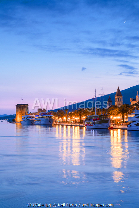 awl-images.com - Croatia / Trogir Harbour at Night, Trogir, Dalmatian Coast, Croatia