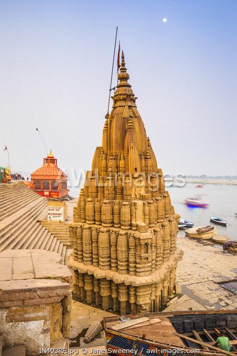 India, Uttar Pradesh, Varanasi, Scindia Ghat, Submerged Shiva temple