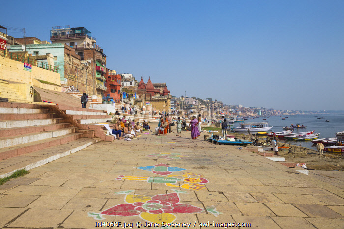 India, Uttar Pradesh, Varanasi, Ghats on the River Ganges