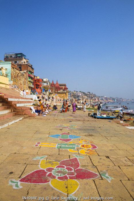 India, Uttar Pradesh, Varanasi, Ghats on the River Ganges