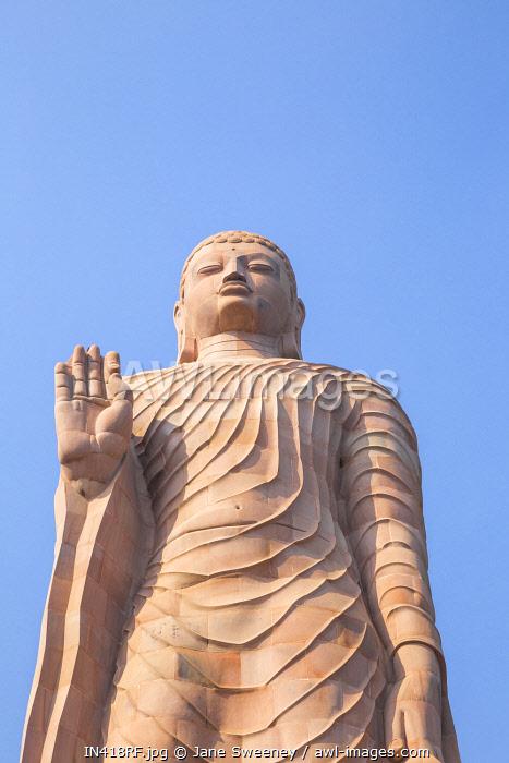India, Uttar Pradesh, Sarnarth, near Varanasi, Hinayana Buddha temple know as the Thai temple and monastry