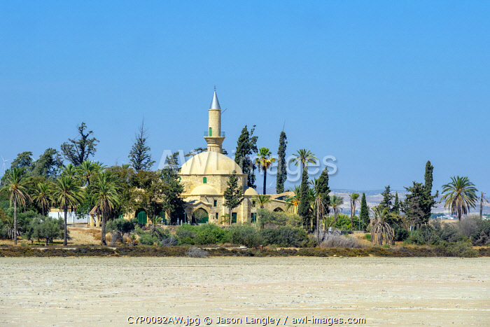 awl-images.com - Cyprus / Hala Sultan Tekke or the Mosque of Umm Haram, Muslim shrine on the west bank of Larnaca Salt Lake, Larnaca, Larnaca District, Cyprus.