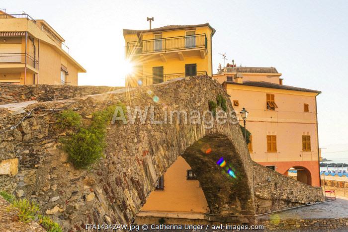 Europe, Italy, Liguria. The old roman bridge in Bogliasco.