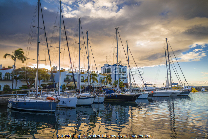 awl-images.com - Spain / Spain, Canary Islands, Gran Canaria Island, Puerto de Mogan, resort marina, dawn