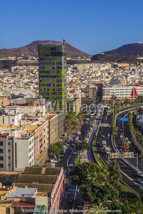awl-images.com - Spain / Spain, Canary Islands, Gran Canaria Island, Las Palmas de Gran Canaria, high angle view of city and port, dawn