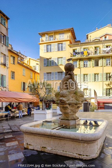 awl-images.com - France / France. French Riviera. Nice. The old town of Nice.