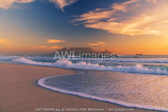 Bloubergstrand beach with Table Mountain in the background at sunset,  Cape Town, Western Cape, South Africa