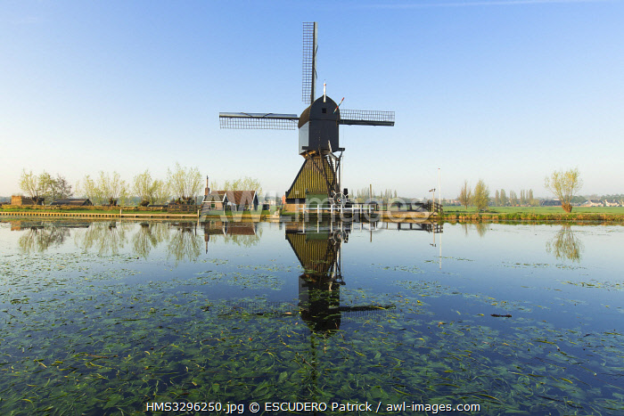 awl-images.com - Netherlands / Netherlands, Southern Holland province, Kinderdijk windmills lised as World Heritage by UNESCO