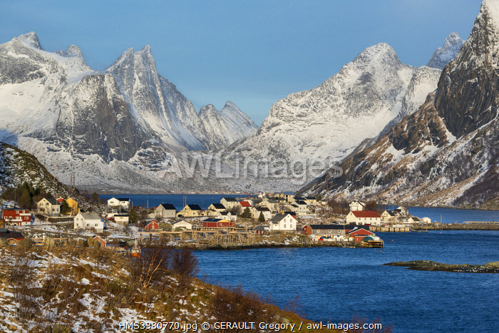 awl-images.com - Norway / Norway, Nordland County, Lofoten Islands, Reine, mountains, fjord and village